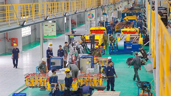 The manufacturing line of Bus Thaco Plant in Quang Nam province (Photo: SGGP)