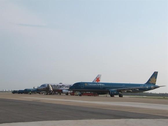 Air planes of the National Vietnam Airlines land at Da Nang International Airport, Da Nang City. (Photo: VNS)