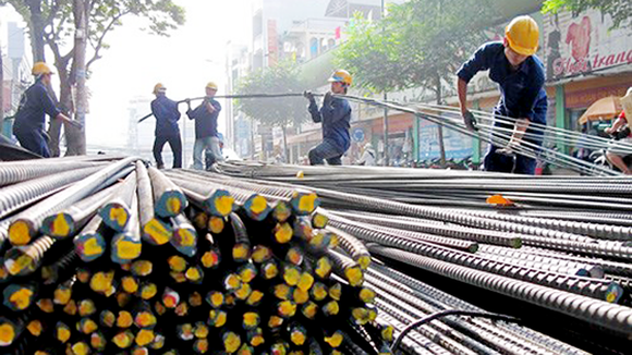 Vietnam exports 300,000 tons of steel billet in 2017 (Photo: SGGP)