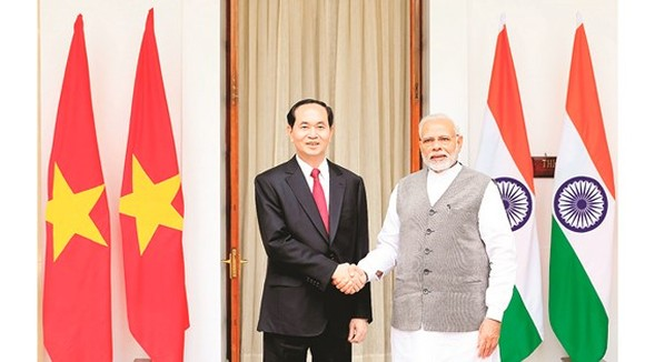 President Tran Dai Quang holds talks with Indian Prime Minister Narendra Modi in New Delhi. (Photo: VNA/VNS)