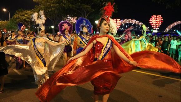 Văn hóa lễ hội hòa cùng nhịp sống đô thị ảnh 2