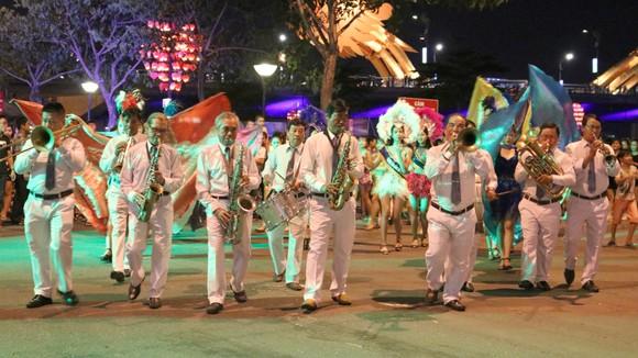 Văn hóa lễ hội hòa cùng nhịp sống đô thị ảnh 3