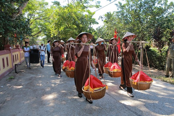 Độc đáo lễ hội Thanh Trà – hương vị xứ Huế ảnh 4