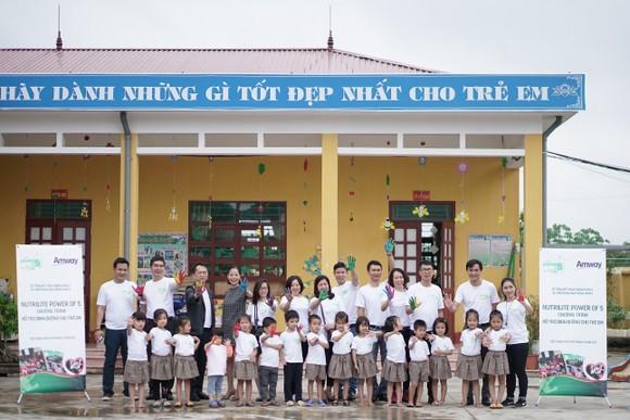 Lễ tổng kết năm thứ 2 và triển khai năm thứ 3 chương trình Nutrilite Power of 5