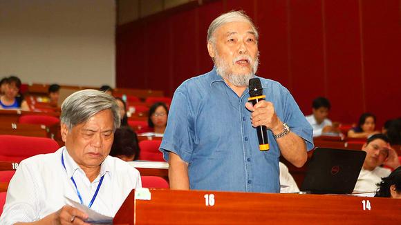 Đại biểu dự hội thảo phát biểu ý kiến