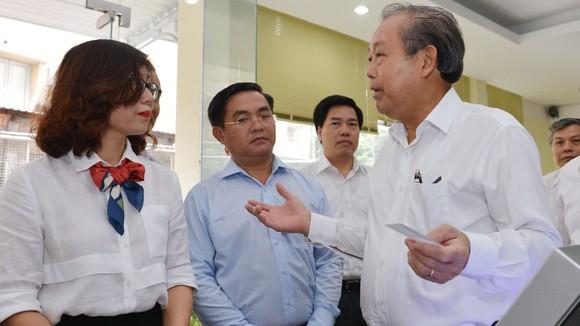 Phó Thủ tướng Thường trực kiểm tra công tác cải cách hành chính tại TPHCM ảnh 2