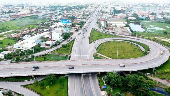 Ngành giao thông TPHCM đang kỳ vọng Nghị quyết 54 của Quốc hội sẽ tạo thêm nhiều nguồn lực để phát triển hạ tầng giao thông. Ảnh: CAO THĂNG