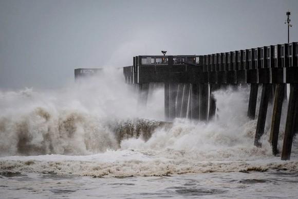 Florida tan hoang sau siêu bão Michael mạnh nhất kể từ năm 1992 ảnh 4