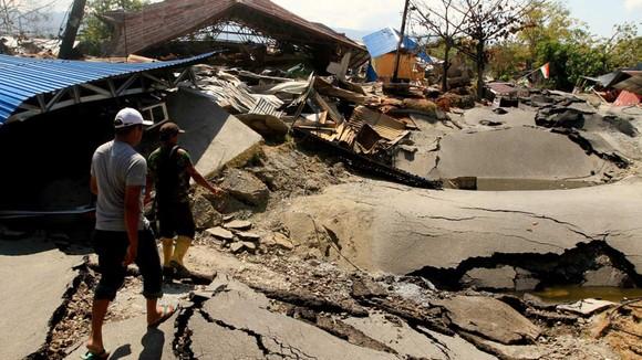 Nỗ lực ngày cuối cùng tìm kiếm nạn nhân vụ động đất, sóng thần tại Indonesia ảnh 3