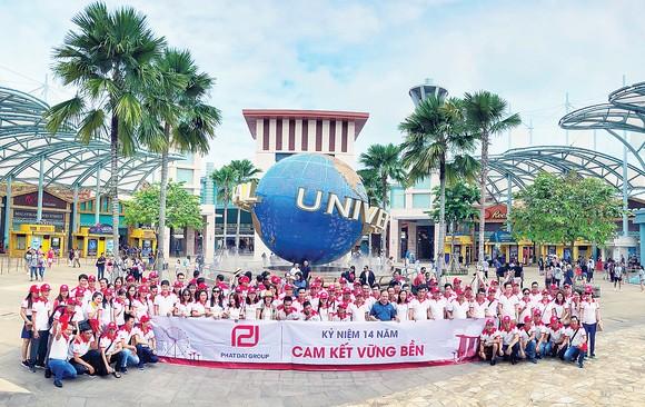 Đoàn 250 khách Phat Dat Group đồng hành cùng TST Tourist tại đảo quốc Singapore trong hành trình trải nghiệm từ ngày 6 đến 9-9-2018