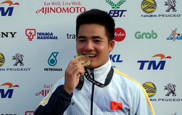 Chu Duc Anh brings home 3rd gold medal at the men's recurve (one stringed bow)