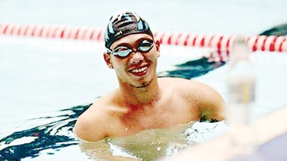 Swimmer Vo Thanh Tung wins gold medal  in the men's 100m breaststroke category- Photo: SGGP