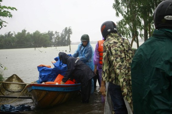 Emergency food aid supplied flood hit households