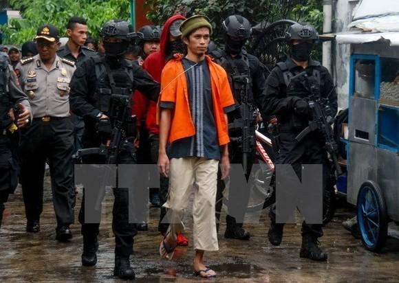 Indonesia police arrest a man suspected to be terrorist in Mekarsari, West Java, on October 26 - Illustrative image (Source: VNA)