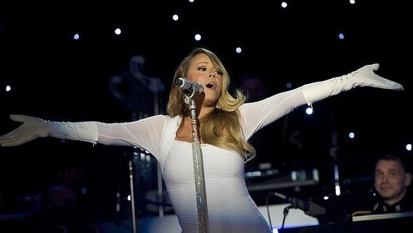 Mariah Carey back to Times Square New Year's after debacle