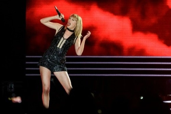 Haters gonna hate: Swift lyric too banal to rip, judge says