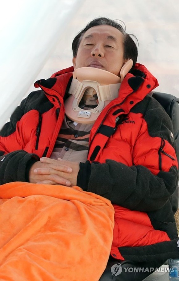 Rep. Kim Sung-tae, floor leader of the main opposition Liberty Korea Party, continues his hunger strike clad in a neck brace at the National Assembly in Seoul on May 6, 2018, after he was attacked the previous day by a man apparently disgruntled with the