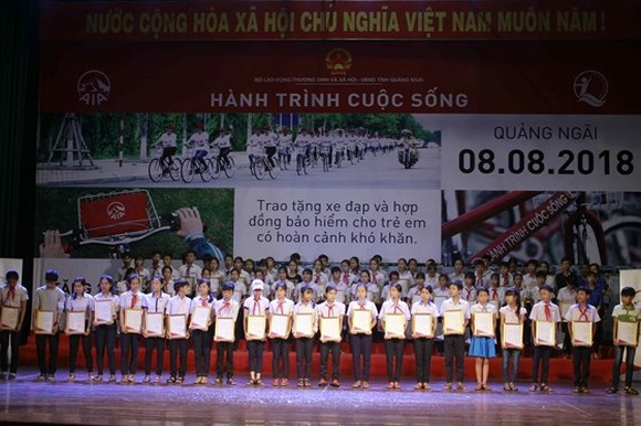 """8th journey of life"" program launched in Quang Ngai"