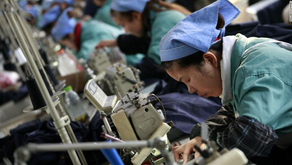 Các doanh nghiệp tư nhân Trung Quốc thu hút hàng trăm triệu lao động. Ảnh: CNN