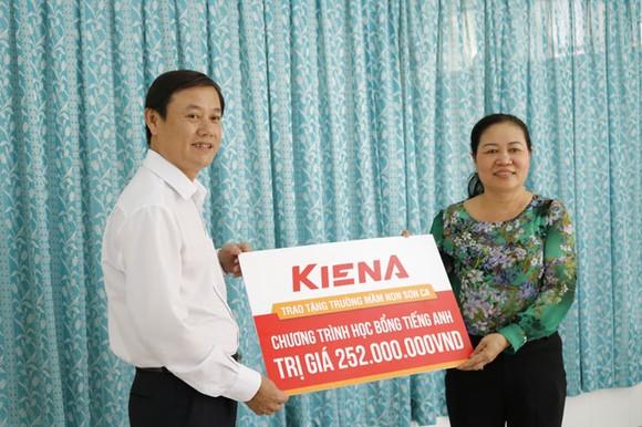 Kiến Á Group trao 400 triệu đồng cho cụm trường học tại Cát Lái