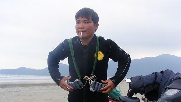 Kỳ thú nghề săn rum biển ảnh 3
