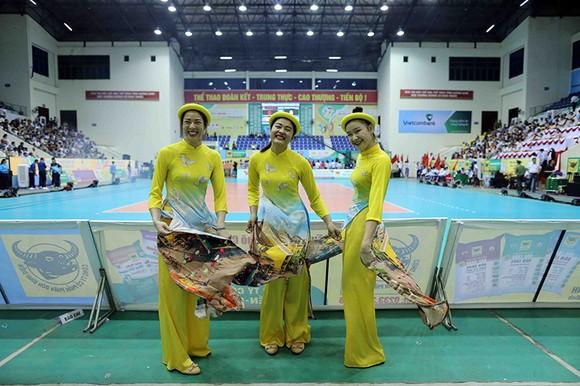 Cúp bóng chuyền nữ quốc tế VTV9 Bình Điền 2018: Thổn thức cùng những cô nàng xinh đẹp ảnh 10
