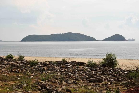 Ngắm cung đường đẹp nhất Vũng Chùa dưới rặng Hoành Sơn ảnh 9