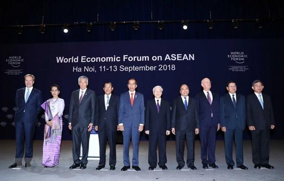 Phiên khai mạc toàn thể WEF ASEAN: Việt Nam đưa sáng kiến hoà mạng di động một giá cước toàn ASEAN ảnh 1