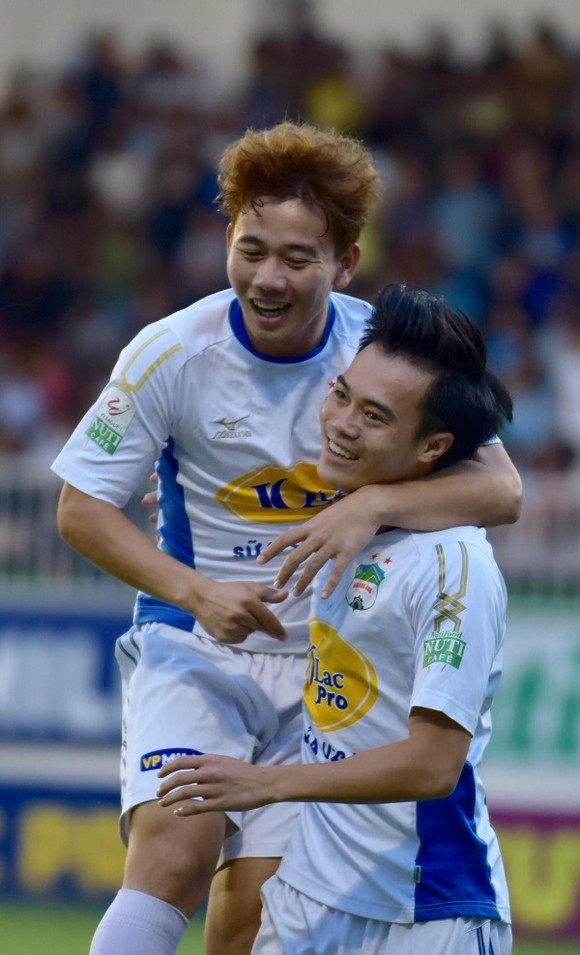 Ba vị trí trên 23 tuổi ở đội U23 Việt Nam: Ưu tiên hàng thủ? ảnh 1