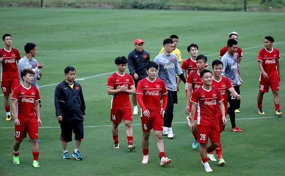 Thủ môn Tuấn Mạnh tự tin có một suất chính cùng đội tuyển Việt Nam dự AFF Cup 2018 ảnh 2