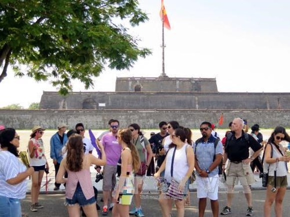 In the first nine months of this year, Vietnam welcomed more than 9.4 million international tourists, up 28.4 percent year-on-year (Source: VNA)