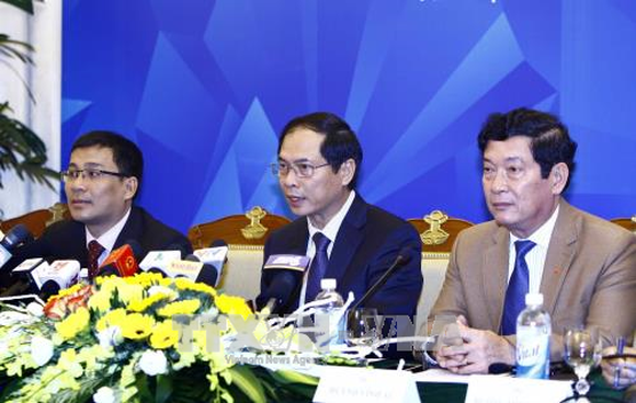 Deputy FM Bui Thanh Son, APEC 2017 SOM Chair speaks at the press conference (Source: VNA)