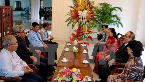 Ho Chi Minh City leaders visited the Office of the Catholic Bishops' Conference of Vietnam (Source: VNA)