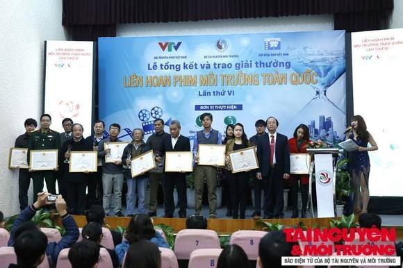 The award ceremony of the 6th National Environmental Film Festival (Photo: baotainguyenmoitruong)