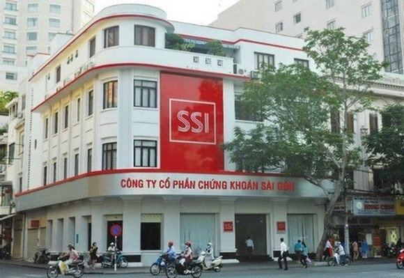 SSI is the top brokerage company in Vietnam's stock market with total assets of over 18.76 trillion VND by the end of 2017. (Photo: cafef.vn)`