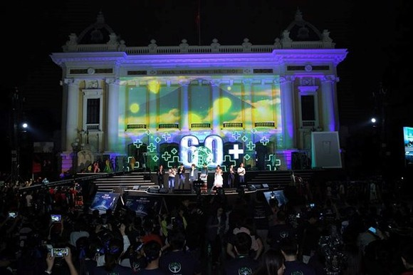 The Earth Hour 2018 campaign took place at the Cach Mang Thang Tam (the August Revolution) in Hanoi. (Photo: Sggp)