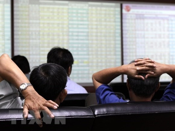 The benchmark VN-Index on the Ho Chi Minh Stock Exchange (HOSE) rises 3.25 points to close at 1,191.54 points on April 4. (Photo: VNA)