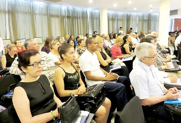 The conference on trade, investment and tourism promotion in HCMC is organized in Havana, Cuba. (Photo: Sggp)