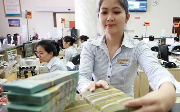 Many commercial banks said they expect higher credit limits as they have already used up most of their assigned quota for the whole year. (Photo: vov.org.vn)