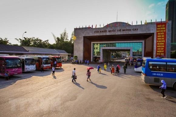 At Mong Cai international border gate (Source: VNA)