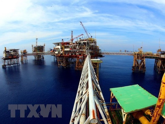 An oil rig in Bach Ho oil field (Photo: VNA)