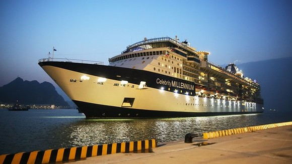 Ha Long In'l Passenger Port welcomes celebrity cruises for the first time
