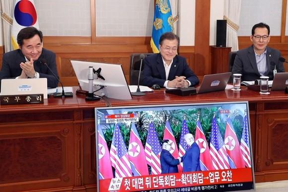 """Lãnh đạo Mỹ - Triều Tiên đã ký văn kiện """"rất quan trọng và toàn diện"""" ảnh 8"""