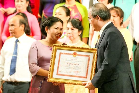 Giải thưởng Võ Trường Toản lần thứ 20 năm 2017: Tôn vinh 40 thầy, cô giáo tiêu biểu của TPHCM ảnh 4