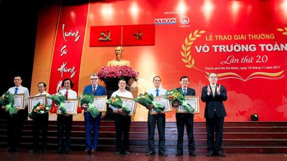 Giải thưởng Võ Trường Toản lần thứ 20 năm 2017: Tôn vinh 40 thầy, cô giáo tiêu biểu của TPHCM ảnh 2