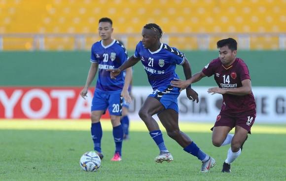 B.Bình Dương sang Indonesia với ưu thế đã thắng 1-0 trong trận lượt đi. Ảnh: DŨNG PHƯƠNG