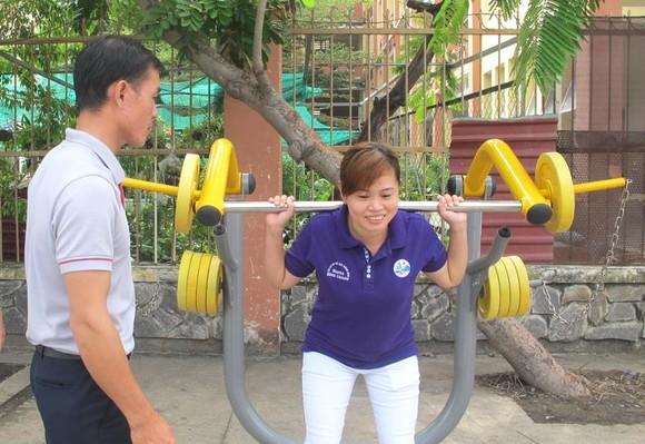 Sở VH-TT TPHCM tặng thiết bị Gym ngoài trời cho xã Đa Phước ảnh 2
