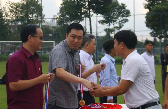 CLB Hoàng Gia đăng quang giải bóng đá TP Mới Bình Dương - Cúp Becamex IDC 2019 ảnh 3