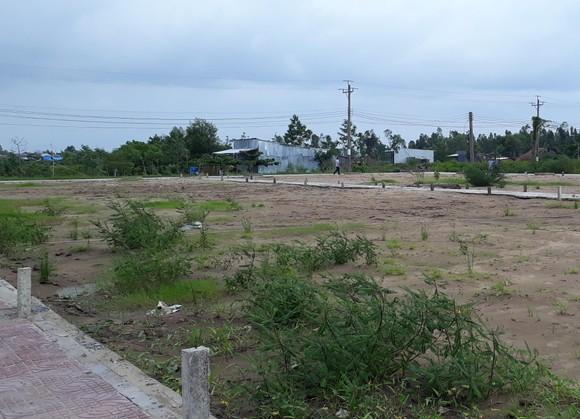 """Khu tái định cư Xẻo Quao vẫn chưa hoàn thiện theo """"lệnh"""" của Chủ tịch UBND tỉnh Cà Mau ảnh 1"""