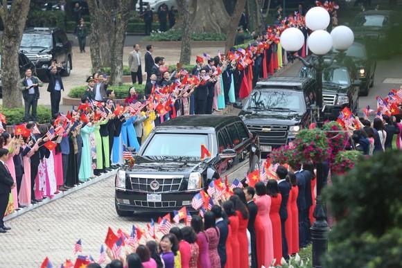 Thủ tướng Nguyễn Xuân Phúc hội kiến Tổng thống Donald Trump ảnh 1